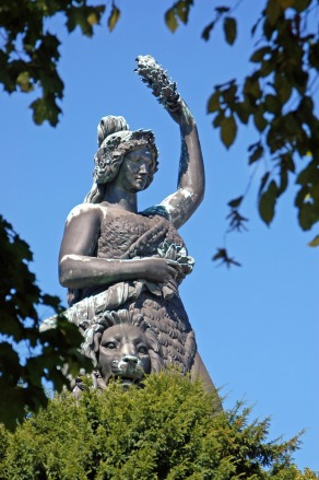 statue-3193601_1920