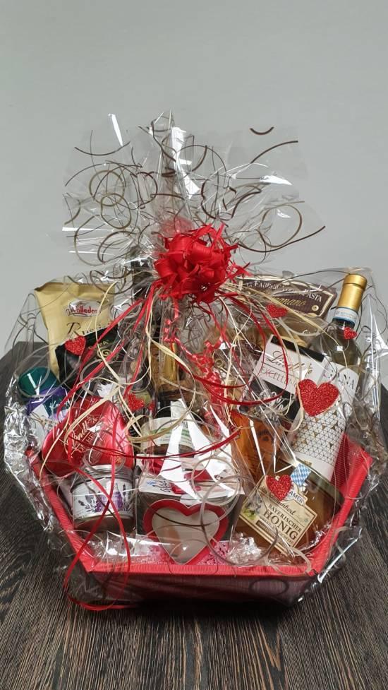 Über diesen Geschenkkorb von Edeka freut sich jede Mama! (c) Theresie